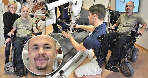Voják Stanislav (35) uvažoval po ochrnutí o sebevraždě.