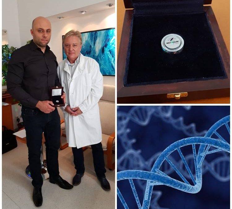 Полицейский получил ДНК его жены